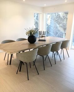 går var det ikkje lamper over her, men no heng dei fint på plass!🙌🏻 meeen viser ikkje før lørdag😉 Kan berre røpe at eg er så fornøgd med Wooden Dining Table Designs, Wooden Dining Tables, Dining Room Design, Chairs For Dining Table, Modern Dining Table, Room Chairs, Living Room Interior, Living Room Decor, Dining Room Centerpiece