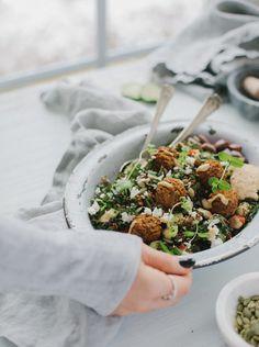 Bol-repas de kale et de falafels