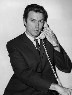 clint eastwood téléphone