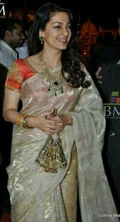 indian sari style worn by the beautiful juhi chawla Saree Blouse Patterns, Saree Blouse Designs, Dress Designs, Indian Attire, Indian Wear, Indian Style, Indian Dresses, Indian Outfits, Indian Sarees