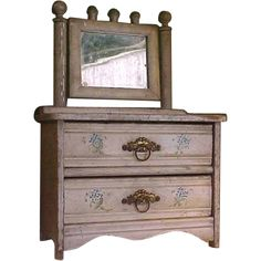 Old Fashioned Eastlake-Style Doll Dresser