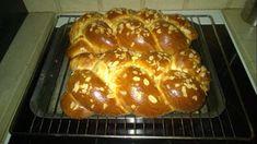 Τσουρέκι Πολίτικο !!! ~ ΜΑΓΕΙΡΙΚΗ ΚΑΙ ΣΥΝΤΑΓΕΣ Food Photo, Flora, Easter, Sweets, Bread, Recipes, Cakes, Photos, Traditional