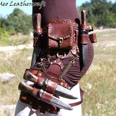 Customizable Steampunk leather belt - LARP and Cosplay - belt diy ideas Liana Bronze Metal Lace Masquerade Mask Mode Steampunk, Steampunk Fashion, Steampunk Belt, Lace Masquerade Masks, Leather Armor, Leather Belt Bag, Medieval Clothing, Hip Bag, Leather Projects