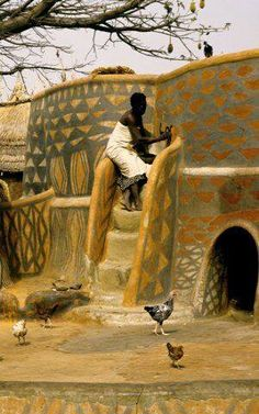 Painting houses in Burkina Faso Vernacular Architecture, Ancient Architecture, Beautiful Architecture, Art And Architecture, Sustainable Architecture, Residential Architecture, Contemporary Architecture, African Culture, African History