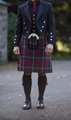 The Hunting MacGregor tartan kilt looks impeccable teamed with a traditional Scottish Prince Charlie Jacket and dark accessories. This is always a favourite for winter weddings due to it's deep red and green festive tones.