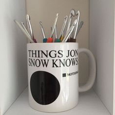 Who needs a crochet hook case when you have a Jon Snow Game of Thrones mug Crochet Hook Case, Jon Snow, Crocheting, Dishwasher, Stitches, Coffee Mugs, Hacks, Cleaning, Ceramics