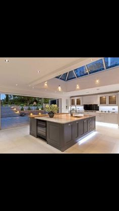 Open plan kitchen living room - Small Kitchen Lighting Ideas Pictures for Low Ceilings – Open plan kitchen living room Modern Kitchen Lighting, Kitchen Extension, Kitchen Remodel, Low Ceiling, Future House, Open Plan Kitchen Living Room, Home Decor Kitchen, House, Small Kitchen Lighting