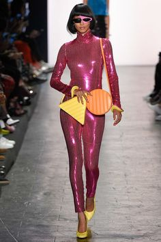 alain mikli asymmetrical frame in the Jeremy Scott Spring 2017 Ready-to-Wear Collection - Photos - Vogue