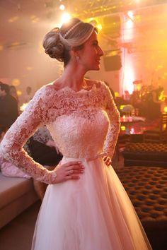 Vestido de noiva princesa com manga longas em renda – Empório Lulu