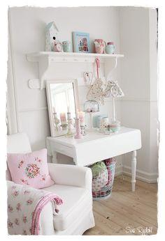 girly dressing corner