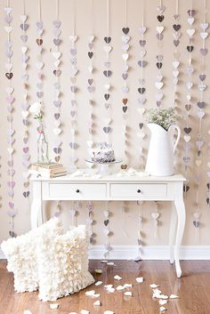 Strands of Paper Hearts plus a pop of pink! See this anniversary celebration shoot on Style Me Pretty:. 25th Wedding Anniversary, Anniversary Parties, Anniversary Celebration Ideas, Anniversary Decorations, Diy Girlande, Paper Hearts, Mod Wedding, Wedding Ideas, Wedding White