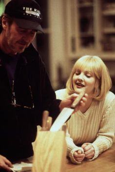 Wes Craven and Drew Barrymore on-set of Scream