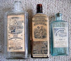 Creative Pharmacy, Vintage, Bottles, and Packaging image ideas & inspiration on Designspiration Apothecary Bottles, Antique Bottles, Vintage Bottles, Bottles And Jars, Antique Glass, Apothecary Cabinet, Vintage Perfume, Glass Bottles, Perfume Bottles