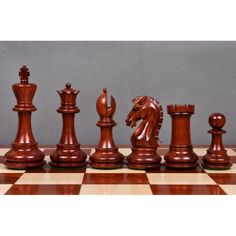 Craftsman's Kinght Staunton Chess Pieces Only set-Triple peso Bud rosa Madera Wood Turning Projects, Diy Projects, Round Pub Table, Chess Pieces, New Image, Wood Carving, Craftsman, Knight, Chess Boards
