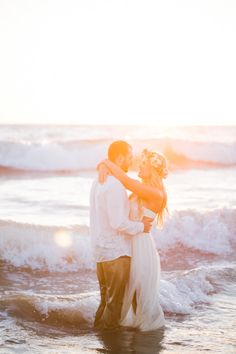 Dancing in the waves: http://www.stylemepretty.com/little-black-book-blog/2015/01/07/rustic-beach-engagement-session/ | Photography: Jasmine Lee - http://www.jasmineleephotography.com/