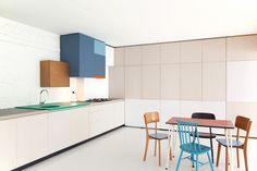 Un cocina muy colorida