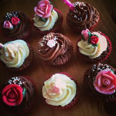 Girly pinky cupcakes with flowers