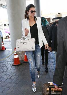 Kendall Jenner Photos - The Kardashians Spotted at LAX - Zimbio