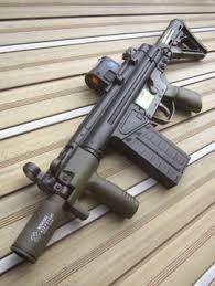 Tactical Life, Tactical Knives, Tactical Gear, Military Guns, Military Style, Cool Guns, Assault Rifle, Guns And Ammo, Shotgun