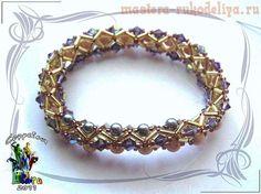 bugle bead bracelet. Tutorial available via diagrams.