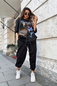 Cute Lazy Outfits, Tomboy Outfits, Teen Fashion Outfits, Retro Outfits, Stylish Outfits, Cool Outfits, Black Casual Outfits, Popular Outfits, Teenager Outfits