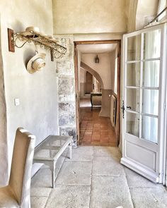French farmhouse in France entry with coat rack and charming rustic decor. Photo by Vivi et Margot. Country Interior Design, Interior Design Photos, Beautiful Interior Design, Interior Design Inspiration, French Country Farmhouse, Rustic French, French Country Decorating, Farmhouse Design, Farmhouse Furniture