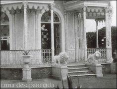 Leones en el Pabellon Bizantino del Parque de la Exposicion, 1875. Fueron robados durante la ocupacion chilena de Lima