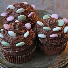 Supersuklaiset kuppikakut - Fazer Something Sweet, Cupcakes, Baking, Desserts, Leo, Tailgate Desserts, Cupcake, Deserts, Bakken