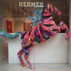 Hermès ~ Colette Le Mason @}-,-;---