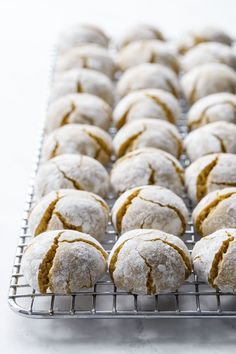 Chewy amaretti cookies made with pistachio flour for a buttery, nutty flavor and gorgeous natural hue. My favorite soft amaretti cookies with a perfect pistachio twist! Amaretti Cookie Recipe, Amaretti Cookies, Italian Cookie Recipes, Italian Cookies, Unique Cookie Recipes, Italian Foods, Biscotti, Dessert Bars, Dessert Recipes