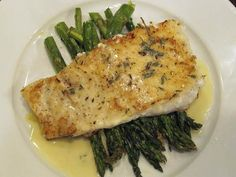 Baked Halibut with Lemon Butter Sauce - - This is a delicious way to prepare fish that any devout red meat lover will appreciate. It's meaty and yummilicious. Any firm white fish will work - like halibut or cod. Seafood Dishes, Fish And Seafood, Seafood Recipes, Cooking Recipes, Healthy Recipes, Baked Halibut Recipes, Halibut Baked, Sauce Recipes, Veggie Food