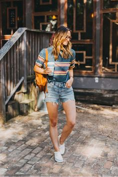 17 Tantalizing Urban Clothing Girls Ideas - Hat For Women - Ideas of Hat For Women - 9 Jolting Tips: Mens Urban Wear Denim Jackets urban fashion photoshoot street style. Urban Dresses, Urban Outfits, Mode Outfits, Female Outfits, Urban Apparel, Streetwear Mode, Streetwear Fashion, Streetwear Shoes, Hipster Stil