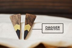 MINTED STRAWBERRY: Dagger Earrings Studs ala Anthropologie from popsicle sticks! Make them now - so easy! #DIYanthropologie #anthropologieha...