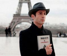 Los bolsos-libro de Olympia Le-Tan, en Colette, París   DolceCity.com