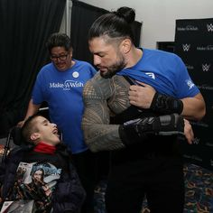 Roman Reigns grants wishes for Ramses, and Emanuel, before SmackDown in Chicago. Both teens are from Make-A-Wish. Roman Reigns Wwe Champion, Wwe Superstar Roman Reigns, Wwe Roman Reigns, Roman Reigns Tattoo, Roman Empire Wwe, Beautiful Joe, Roman Reigns Dean Ambrose, Roman Regins, Roman Warriors
