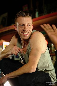 Macklemore, what a fox, incredible voice gets me all hot n bothered. Got to be about 10 ft from him, want so badly to actually meet this guy, he's super fly