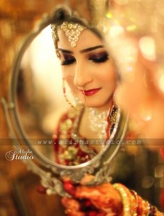 Trendy Wedding Photography Poses Indian Bride Groom - Page 2 of 31 - Wedding Dream Bridal Photoshoot, Bridal Shoot, Wedding Shoot, Photoshoot Ideas, Indian Wedding Photography Poses, Bride Photography, Photography Ideas, Mirror Photography, Mehendi Photography