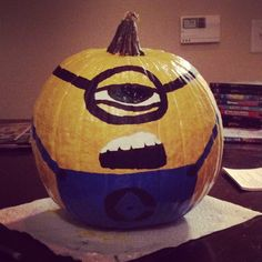 Minion pumpkin for halloween