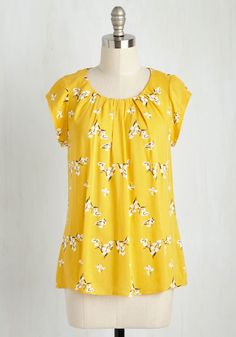 Steal the Show Top in Yellow Blossoms