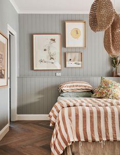 Fine Idees Decoration Chambre Lambris Peints that you must know, You?re in good company if you?re looking for Idees Decoration Chambre Lambris Peints Surf Shack, Home Bedroom, Bedroom Decor, Bedrooms, Bedroom Wall, 50s Bedroom, Bedroom Clocks, Scandi Bedroom, Ikea Bedroom