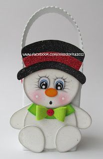 Cute Christmas Ideas, Plaid Christmas, Christmas Decorations, Christmas Ornaments, Foam Sheet Crafts, Personalised Gifts Diy, Cute Snowman, Winter Fun, Xmas Gifts