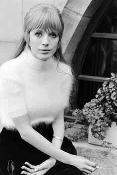 Style Icon: 10 Inspiring Marianne Faithfull Photos - HarpersBAZAAR.com