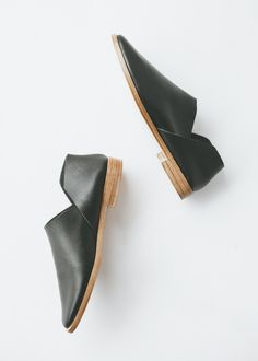 Osborn - Dorsey Flats in Black from Charlie