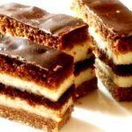 Prajitura in straturi Czech Desserts, Easy Desserts, Baking Recipes, Cookie Recipes, Dessert Recipes, Torta Recipe, Kolaci I Torte, Torte Cake, Rum Cake