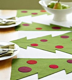 Crafts for Christmas Table