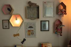Bilder und Vintage Lampen Deko im Kinderzimmer