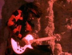 """The guitars of Cinderella"" Tom Keifer in Don't Know What You Got (Til It's Gone) music video"