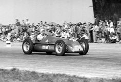 Giuseppe ''Nino'' Farina (Alfa Romeo SpA), Alfa Romeo 158/50 - Alfa Romeo 158 1,5 Straight-8 (finished 1st)  1950 British Grand Prix, Silverstone Circuit  Held on 13 May at Silverstone Circuit, and also designated as the Grand Prix of Europe for 1950, this very first World Championship round was attended by George VI, Queen Elizabeth, Princess Margaret, and the Earl & Countess Mountbatten of Burma.