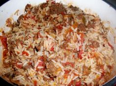 Looks easy and fast with simple ingredients. Spicy Rice With Ground Beef (One Dish Meal)