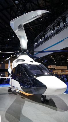 Airbus' New Composite Helicopter Is A Billion Dollar Bet Helicopter Price, Helicopter Charter, Luxury Helicopter, Luxury Jets, Luxury Private Jets, Airbus Helicopters, Flying Vehicles, Flight Deck, Star Citizen